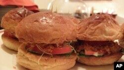 台湾汉堡业者:不会使用美国牛绞肉