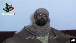 ຮູບພາບຂອງທ້າວ Seif al-Islam ລູກຊາຍມື້ລາງຜູ້ນໍາກາດດາຟີ ແຫ່ງລີເບຍທີ່ປາກົດຢູ່ໃນວີດີໂອ ໃນແວບໄຊ ຂອງ YouTube. ວັນທີ 21 ພະຈິກ 2011. .