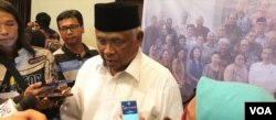 Mantan ketua KPK Taufiequrachman Ruki. (Foto: Sasmito Madrim/VOA)