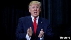 """川普在11月5日的競選演講中澄清他被指""""反華""""的立場"""