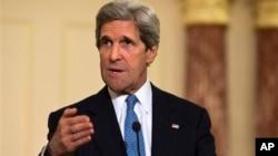 ທ່ານ John Kerry ລັດຖະມົນຕີກະຊວງການຕ່າງປະເທດ ສະຫະລັດ ທີ່ເວົ້າໃນວັນອັງຄານວານນີ້ວ່າ ສະຫະລັດຈະປ້ອງ ກັນຕົນເອງ ແລະເກົາຫລີໃຕ້ ຊຶ່ງເປັນພັນທະມິດຂອງຕົນນັ້ນ ຕໍ່ການຂົ່ມຂູ່ທາງທະຫານຈາກເກົາຫລີເໜືອ.