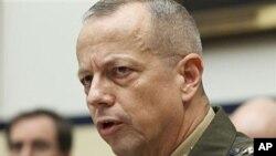 지난 3월 미 하원 군사위원회 청문회에 출석한 존 알렌 아프간 주둔 미군 사령관(자료사진)