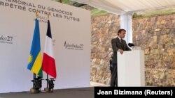 Perezida w' Ubufaransa Emmanuel Macron ku rwibutso rwa jenoside i Kigali