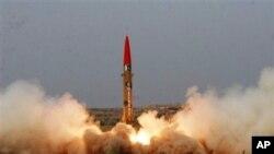 29일 파키스탄이 시험 발사한 핵탄두 장착이 가능한 단거리 미사일.