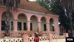 Escola primária, em Cacuso