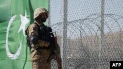 Umusirikali wa Pakistani arinze ku mupaka w'icyo gihugu na Afuganistani