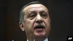 2月7号,土耳其总理埃尔多安在对议会发表讲话