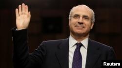 投資公司負責人英國公民布勞德在美國參議院就俄羅斯干預美國大選問題作證(2017年7月27日)