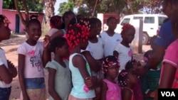 Orfâs no orfanato das irmãs Mercedárias