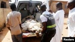 """Sau cuộc bầu cử năm 2011, bạo động đã bùng ra tại Kaduna ở """"Vành đai miền Trung"""", gây tử vong cho 800 người."""
