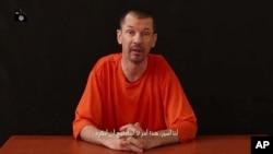 El periodista John Cantlie señala en su alocución que presentará una serie de videos donde revelará la verdad sobre el Estado islámico.