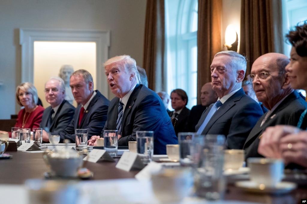 Что на этот раз? Трамп в срочном порядке пригласил всех сенаторов в Белый дом по вопросу Северной Кореи
