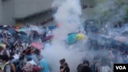 香港争取真普选的雨伞运动(美国之音海彦拍摄)
