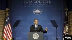 Presiden Obama memberikan pidato mengenai strategi penciptaan lapangan kerja AS, di Durham, North Carolina (13/6).