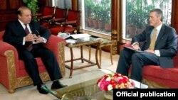 وزیراعظم نواز شریف اور امریکہ کے سفیر رچرڈ اولسن
