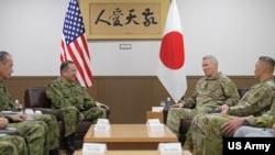 美日陸軍指揮官會晤(美國陸軍2019年12月15日照片)