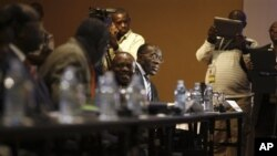 Congolese Foreign Minister Raymond Tshibanda at peace talks with M23 rebels, Kampala, Uganda, Dec. 9, 2012.