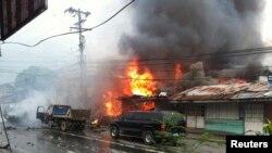 5일 필리핀 남부 민다나오섬의 차량 폭탄 테러 현장.