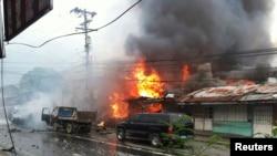 Suasana di Cotabato pasca ledakan bom, 5 Agustus 2013 (Foto: dok). Militer Filipina melancarkan serangan terhadap sempalan kelompok gerilyawan muslim di lokasi ini, Sabtu (10/8).