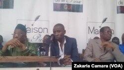 Les cadres guinéens à la conférence de presse à Conakry sur l'affaire Bolloré le 26 avril 2018.