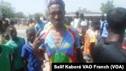 L'erythréen Michael Habtom, vainqueur de la 5e étape koudougou-Boromo, 3 Novembre 2015, Photo Salif Kaboré, VOA French