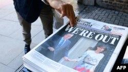 Trang nhất của tờ London Evening Standard đăng tin về vụ Thủ tướng Anh David Cameron từ chức, ngày 24/6/2016.