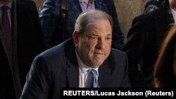 Harvey Weinstein prilikom dolaska na izricanje presude (Foto: REUTERS/Lucas Jackson)