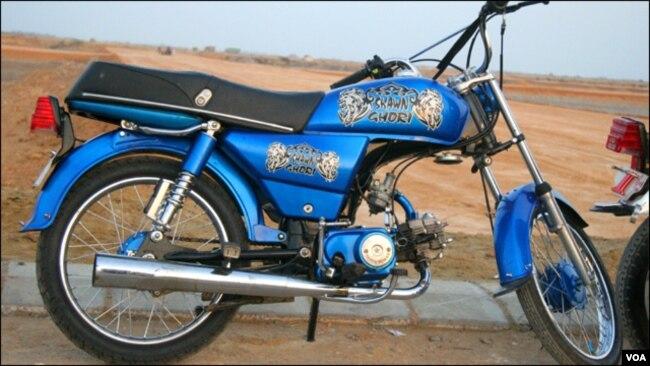 کراچی: منفرد موٹر سائیکل ریس