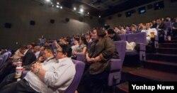 영화 '군함도' 배급사 CJ엔터테인먼트가 지난 25일 서울 CGV여의도에서 개최한 주한 외교관 특별시사회 현장. (CJ엔터테인먼트 제공)