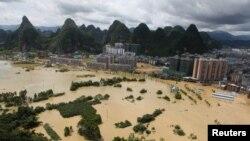 中国多地暴雨成灾,湘桂粤汉今昔水患 (28图)