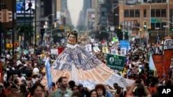 Demonstracije za zaštitu prirodne sredine u Njujorku 21. septembra 2014.