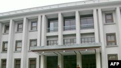 Presidenti Topi dënon ashpër raportin e senatorit Marti