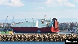 Kapal Norwegia pengangkut senjata kimia Suriah yang harus dimusnahkan di pelabuhan Latakia (foto: dok).