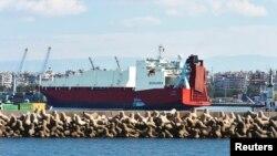 지난 2월 10일 시리아 라트키아 항에 시리아 정부가 반출하는 화학무기를 운반하기 위한 노르웨이 화물선이 정박해있다.