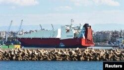 Kapal Norwegia di Latakia dalam pengangkutan kedua senjata kimia dari Suriah. (Foto: Dok)