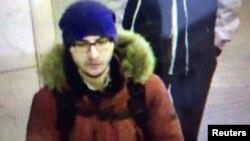 Hình ảnh kẻ đánh bom tự sát Akbarzhon Dzhalilov gây ra vụ tấn công xe điện ngầm St. Petersburg, 4/4/2017