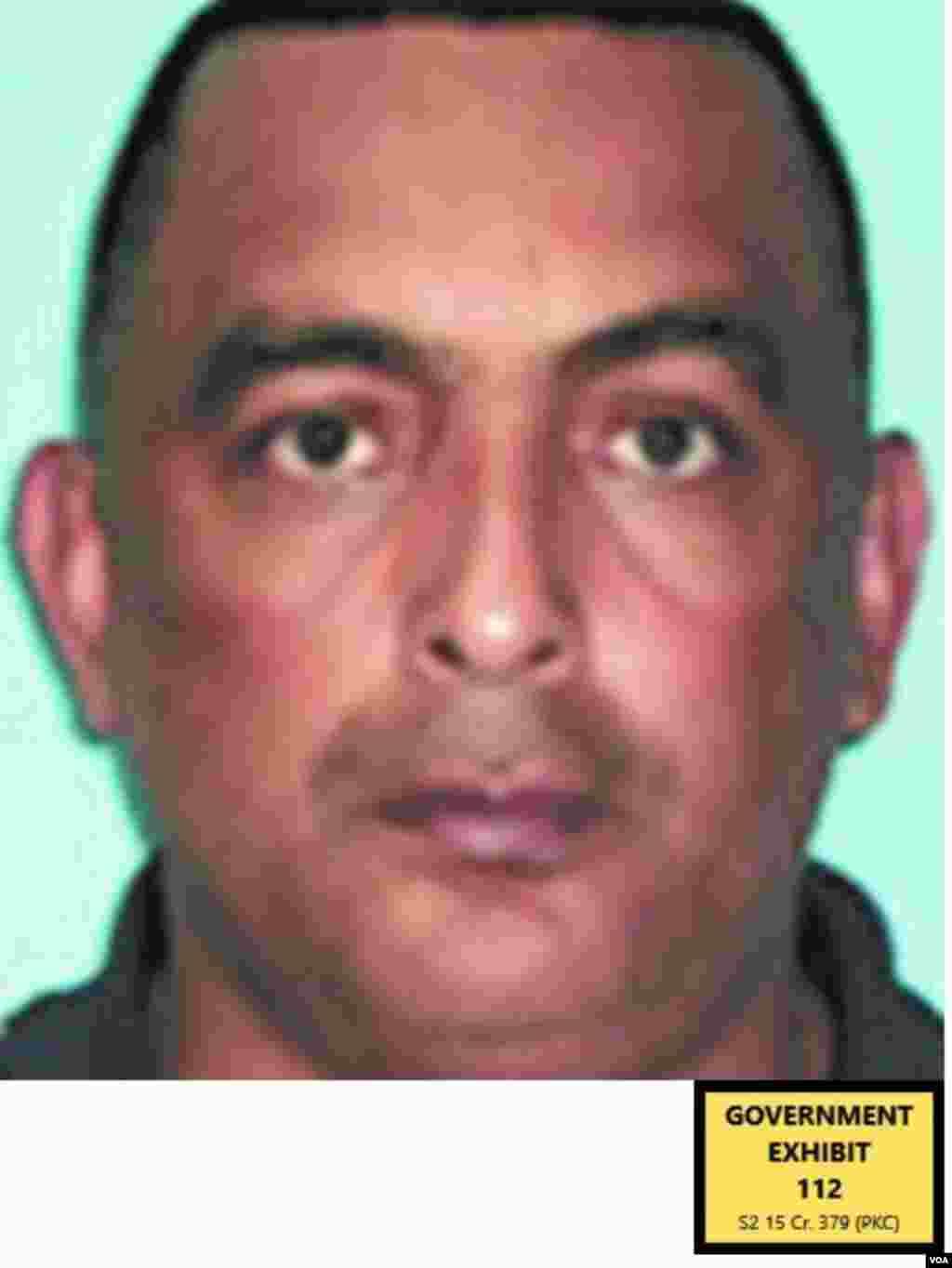 Normando Rafael Lozano, oficial de policía hondureño, jefe en el departamento de Santa Rosa de Copán. Según El Rojo, en 2007, les proporcionó ayuda para custodiar cargamentos de coca por Honduras, especialmente en Copán, límite con Guatemala.