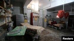 시리아 알레포의 반군장악 지역 병원에 폭격이 단행된 직후인 지난 1일 빈 병실이 방치돼있다.