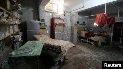 Một phòng bệnh viện bị bỏ trống sau những trận không kích vào Aleppo, Syria, ngày 1 tháng 10 năm 2016.