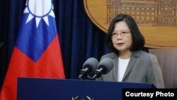 台湾总统蔡英文13日针对巴拿马与台湾断交发表电视讲话(台湾总统府图片)
