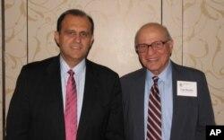 O διευθυντής του Αμερικανο-Ελληνικού Ινστιτούτου Nick Larigakis με τον ιδρυτή του Gene Rossides.