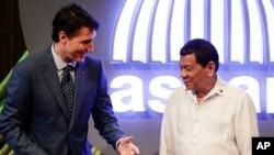 Thủ Tướng Canada Justin Trudeau và Tổng thống Philippines Rodrigo Duterte, ngày 13/11/2017.
