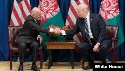آقای غنی گفت که حکومت افغانستان به انجام سهم خود در مبارزه با فساد و مصرف درست منابع مصمم است