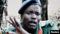 Joseph Kony, pemimpin pemberontak LRA di Afrika Tengah, termasuk 1 dari 4 penjahat perang di Afrika yang dicari oleh Mahkamah Internasional/ICC (foto: dok).