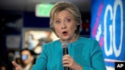 El departamento de Estado niega haber ofrecido algo a cambio al FBI para beneficiar a Hillary Clinton.