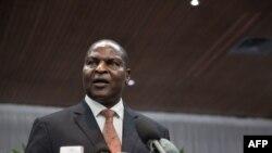 Le président de la République centrafricaine Faustin-Archange Touadera donne une conférence de presse à Bangui, le 11 avril 2018.