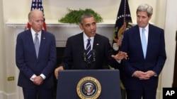 6일 바락 오바마 미국 대통령(가운데)이 백악관에서 키스톤XL 송유관 사업 계획을 승인하지 않기로 했다고 발표하고 있다. 왼쪽은 조 바이든 부통령, 오른쪽은 존 케리 미 국무장관.