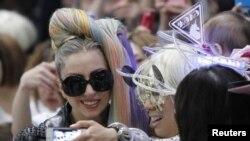 Lady Gaga ນ້ກຮ້ອງຊື່ດັງອາເມຣິກັນ