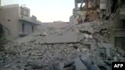 시리아 알레포에서 정부군의 폭격으로 파괴된 건물. 일반인 촬영 영상.