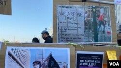 聲援被逐印傭作家Yuli集會,設有Yuli反送中運動攝影作品展。(美國之音 湯惠芸拍攝)